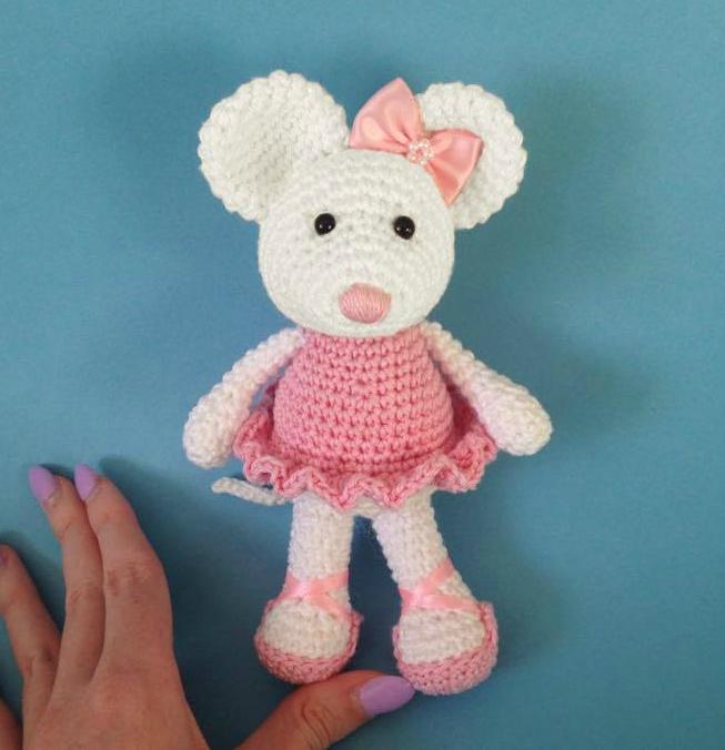 Amigurumi Tutorial Ballerina : Heart & Sew: Ballerina Mouse - Free Crochet / Amigurumi ...