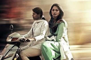 Irandam Ulagam Heroine Anushka Stills