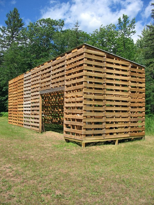 Dishfunctional Designs Creative Ways To Use Pallets Outdoors amp In Your Garden