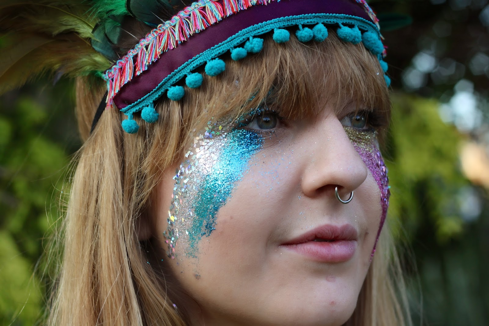dulcie's feathers, festival, glitter, face paint, festival style, turquoise