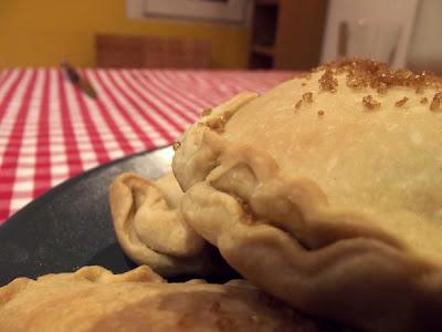 Panadons o empanadillas de berenjena y calabacin