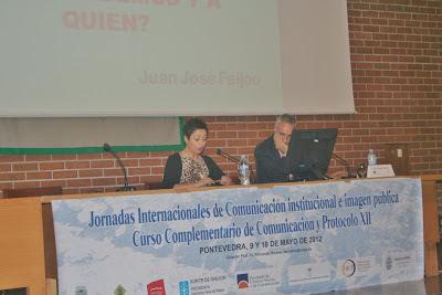 Olga Casal presenta a Juan José Feijóo en las XII Jornadas de Comunicación y Protocolo