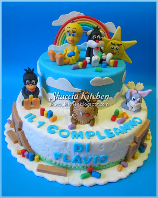 SKACCIA KITCHEN: Looney Tunes Cakes