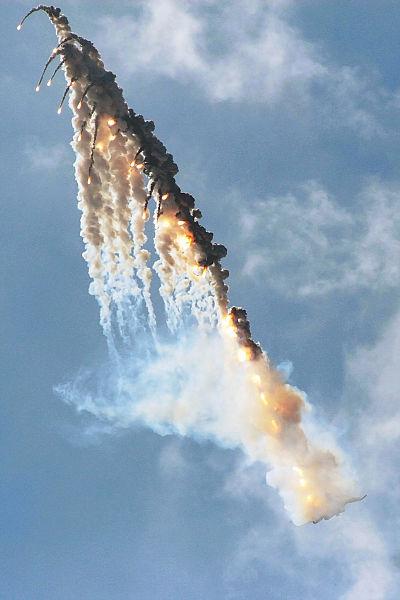 Sukhoi Su-35 flares
