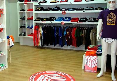 http://www.reizentolo.es/es/tiendas-oficiales/reizentolo-pontevedra.html