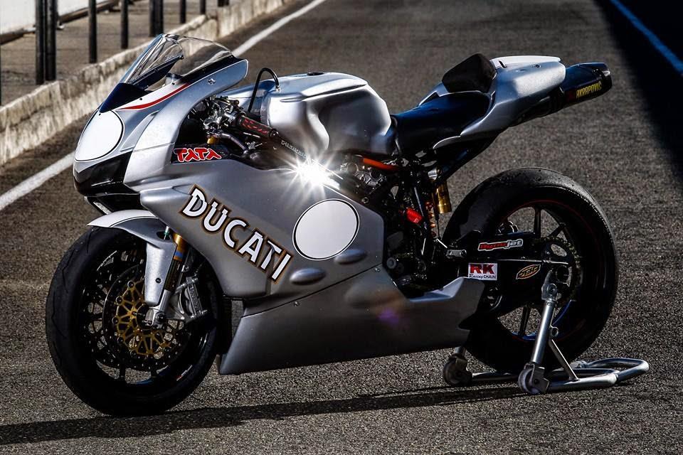 Ducati 999 et 749  - Page 3 BRS%2Bweblog-custom%2Bbikes-caferracers-racing%2Bmotorcycles-oldskool%2Bsuperbikes%2B(30)