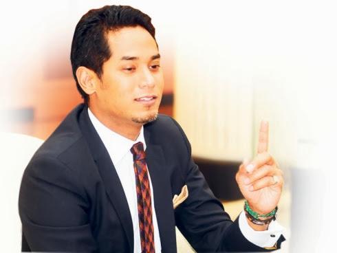 Khairy Jamaluddin menang anugerah Shout! Award