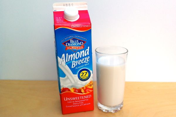 Vegan Review: Blue Diamond 'Almond Breeze' Almond Milk