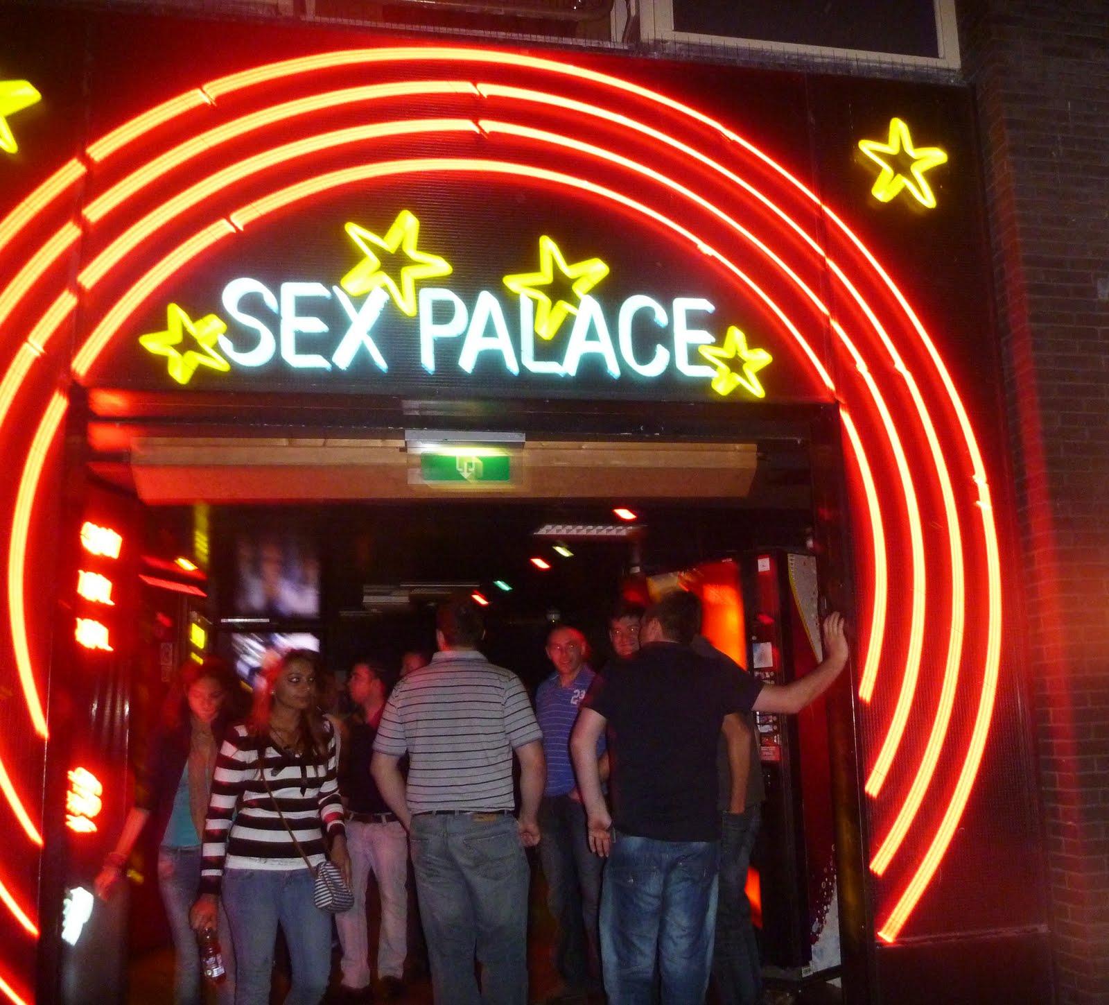 pornokino in wien latex shop amsterdam