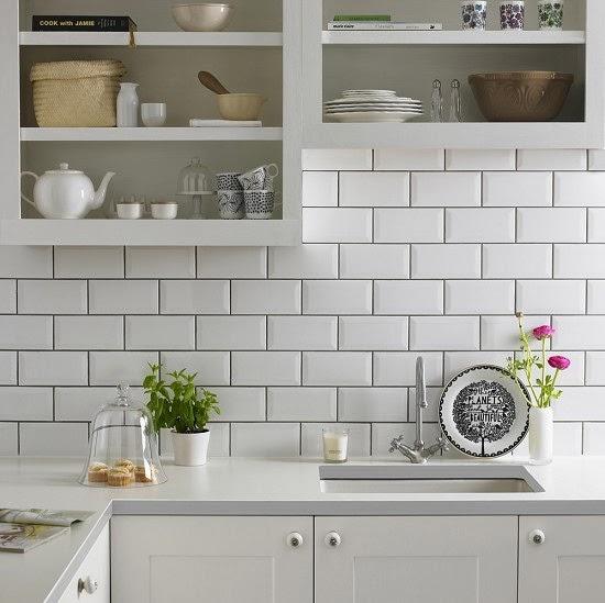 Decotips c mo usar ladrillo tipo metro en cocinas y for Pintura para baldosas cocina