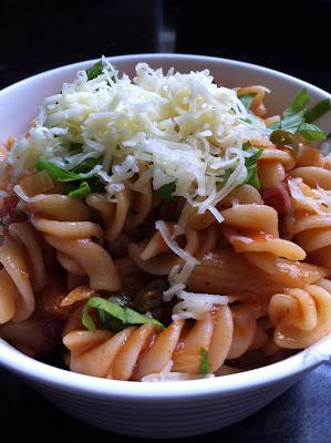 Pasta in Tomato & Basil Sauce
