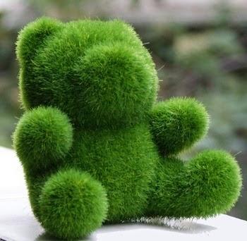 Boneka rumput dengan bentuk beruang.