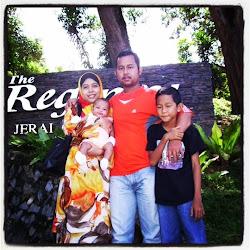 Umi, Ayah, Rizqin & Paksu Dekat Gunung Jerai