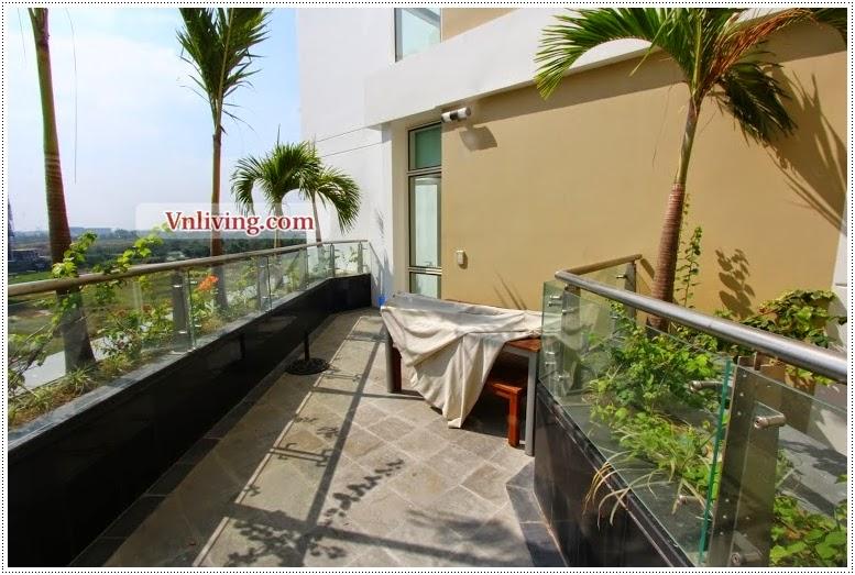 The Estella open sky garden for rent