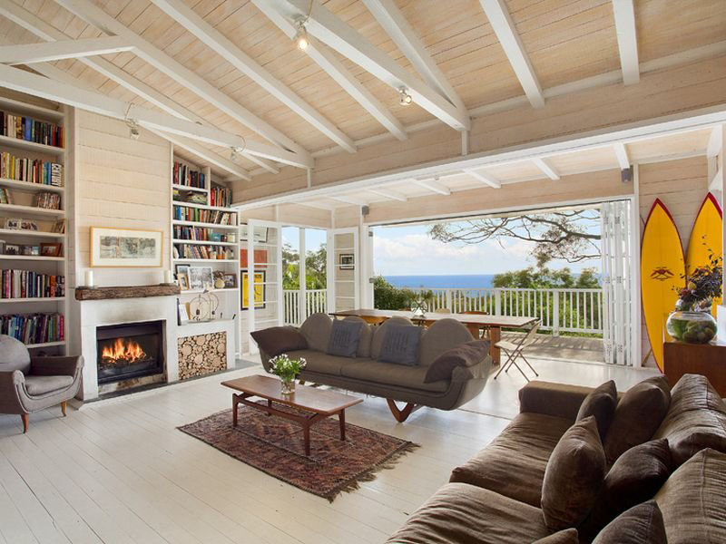 this airy beach house located in newport new south wales australia is the ultimate beach home with sun drenched decking and spectacular ocean views - News Home Design