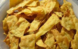 Larangan Makanan Untuk Penderita Radang Tenggorokan, 3. Makanan kering