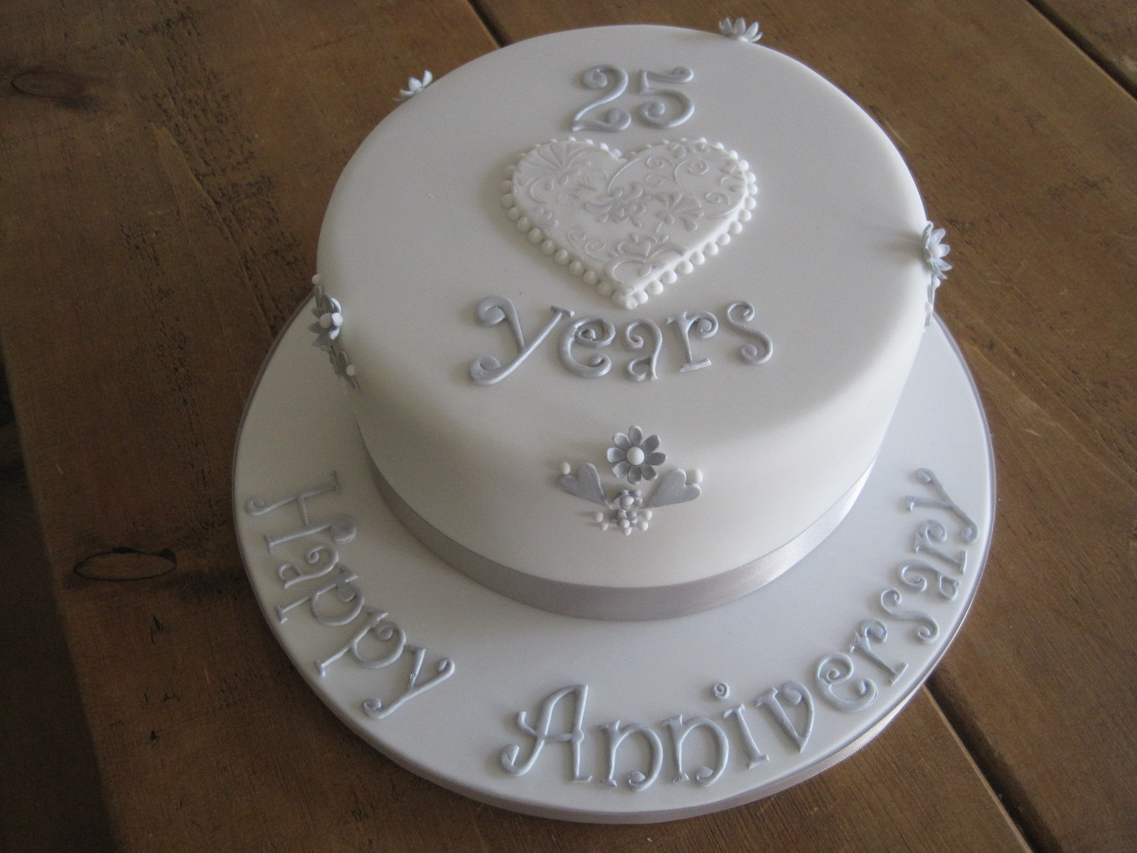 Monginis Cake Designs For Anniversary : Cake Crush: Silver Wedding Anniversary Fruit cake