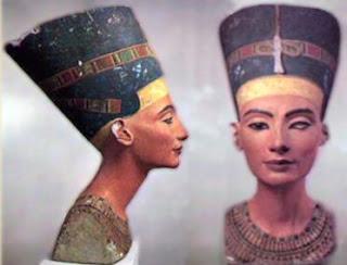 Nefertiti. Escultura egipcia. Egipto. Tumba de Tutankhamon.Ley de la frontalidad. Egipto a tus pies