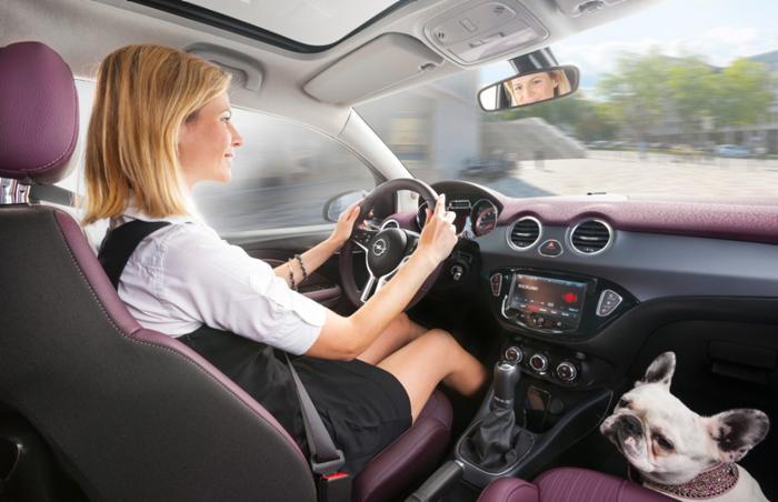 Opel Adam ofrece integración por voz
