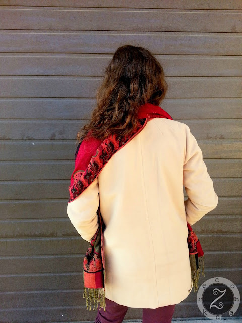 ładny tani płaszcz