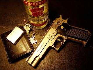 Gun, Bottle, key and wallet Gold HD Wallpaper