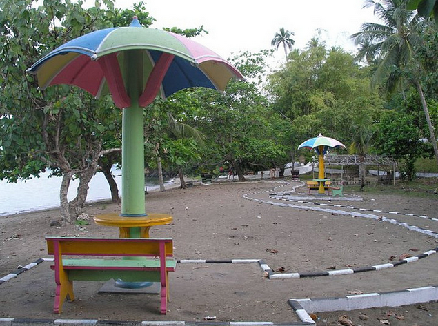 Pantai Ake Sahu yang Unik dan Indah - Wisata Kota Tidore