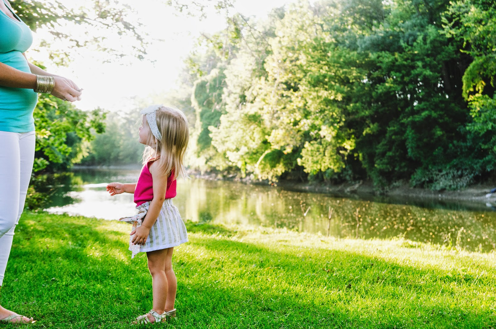 photos by a river, from indianapolis family photographer