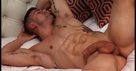 El Torrido Y Sexual Erotismo De Ethan Harris Mancebos