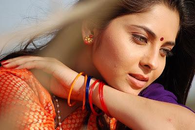 Marathi actresses photos pictures pics images wallpapers biography marathi actress in saree altavistaventures Choice Image