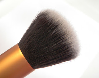 Real Techniques core collection - Buffing Brush