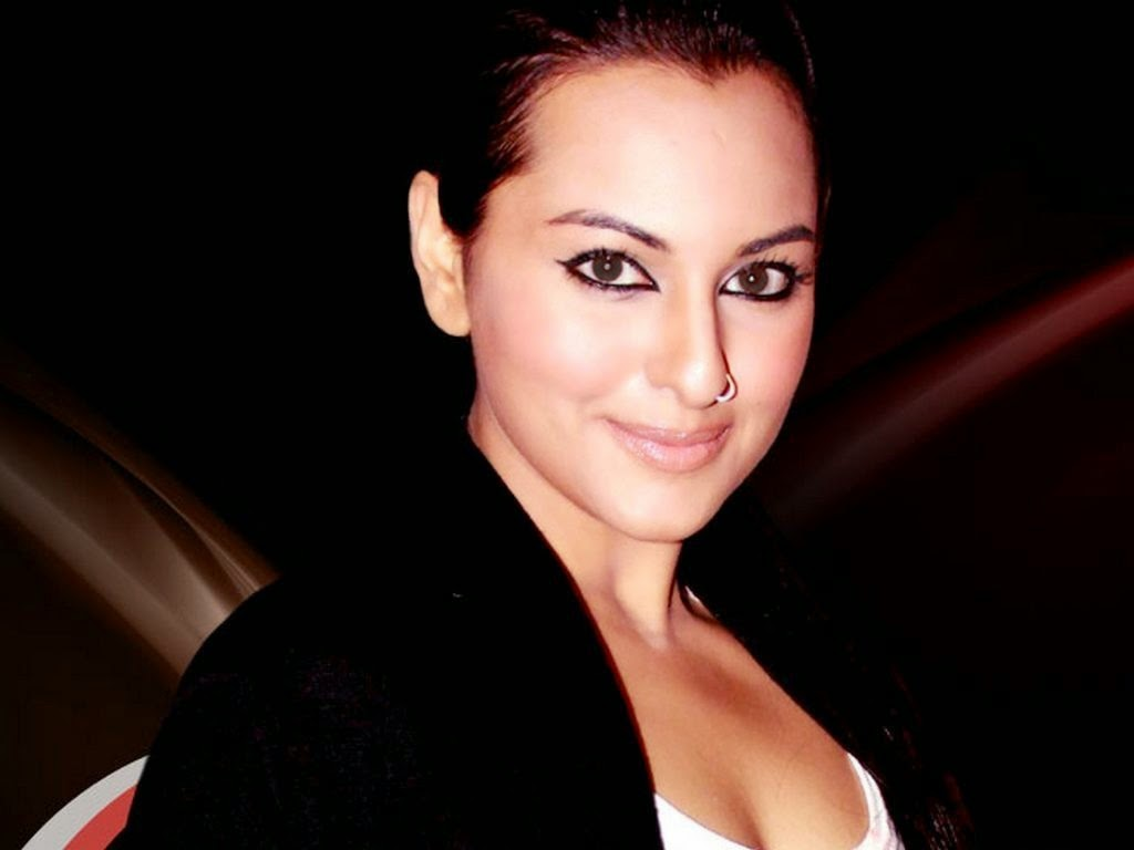 Bollywood Indian Actress Sonakshi Sinha HD Photos