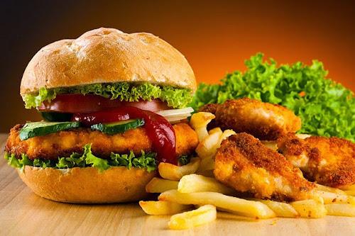 Substâncias colocadas nos alimentos para que comamos demais