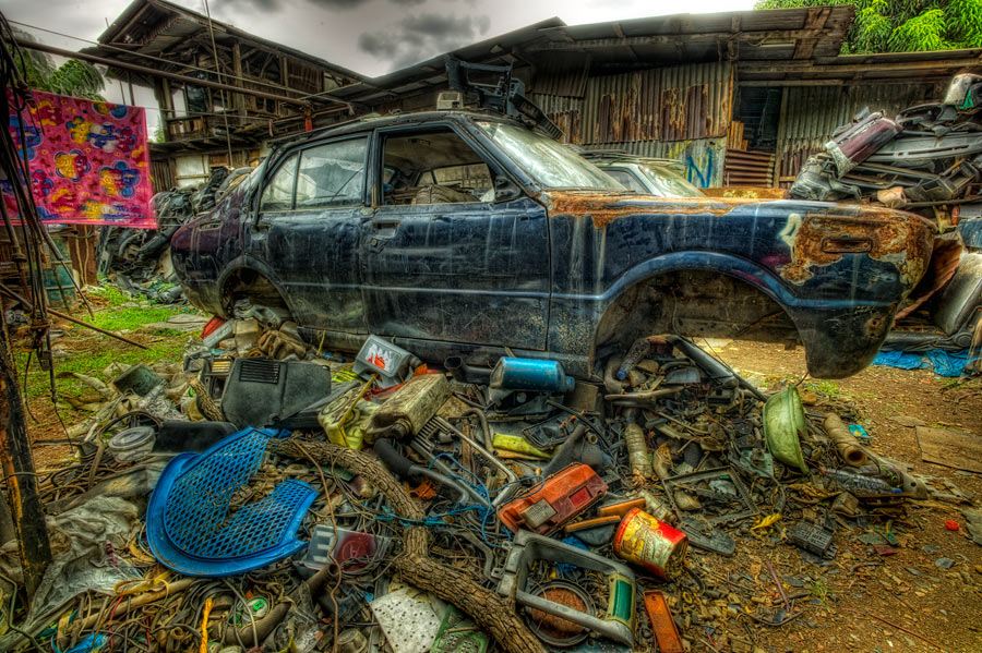 Last Flight Out Photography: The Junk Yard