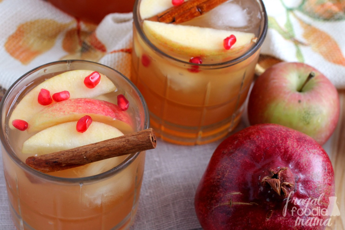apples come together perfectly in this Spiced Pomegranate Apple Cider ...