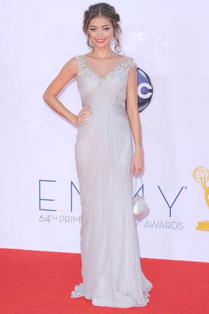 Sara Hyland vestido de Marchesa Emmy 2012