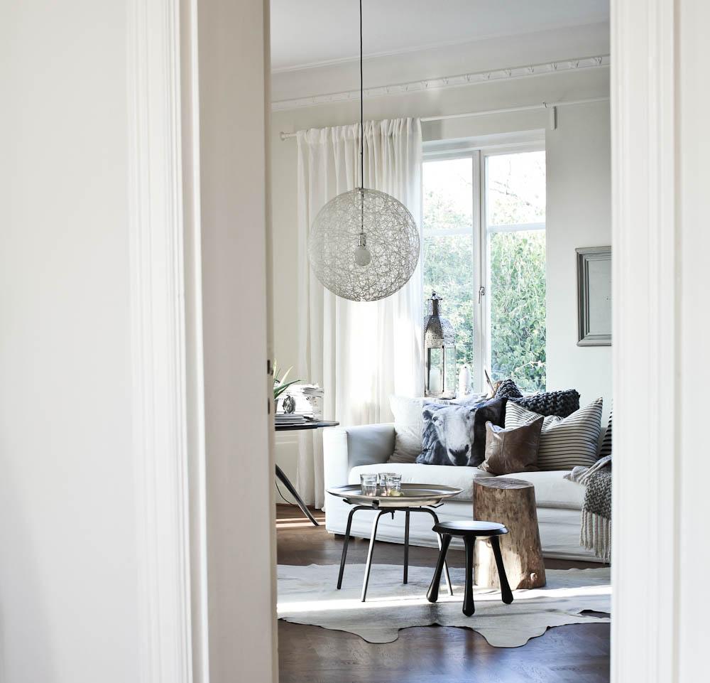 Daniella Witte: LIVING ROOM