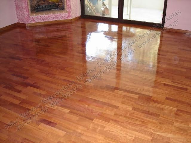 Λουστράρισμα σε κολλητό ξύλινο πάτωμα ντουσιέ και ιρόκο