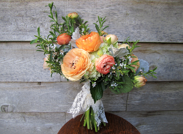A Wayward Wind - Floral Friday - Bouquet - Peaches and Cream