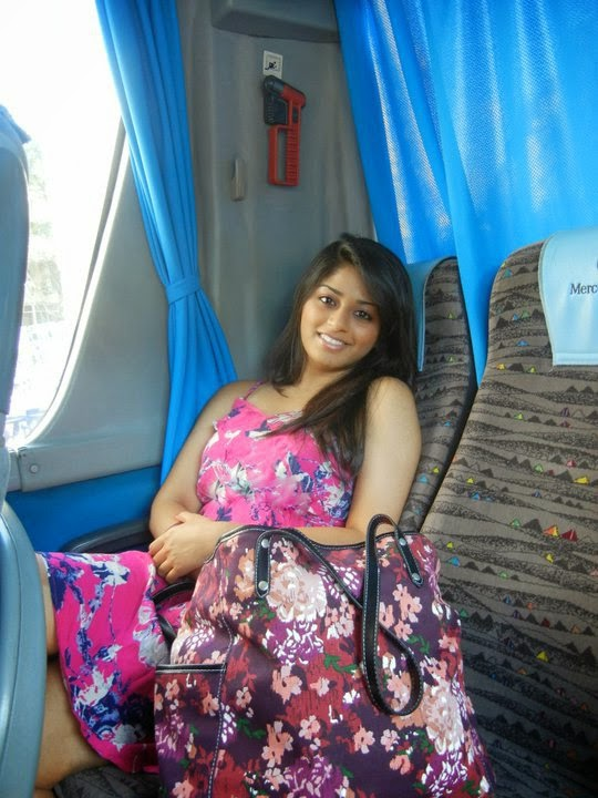 Beautiful Indian Desi Housewife And Aunties New Photos