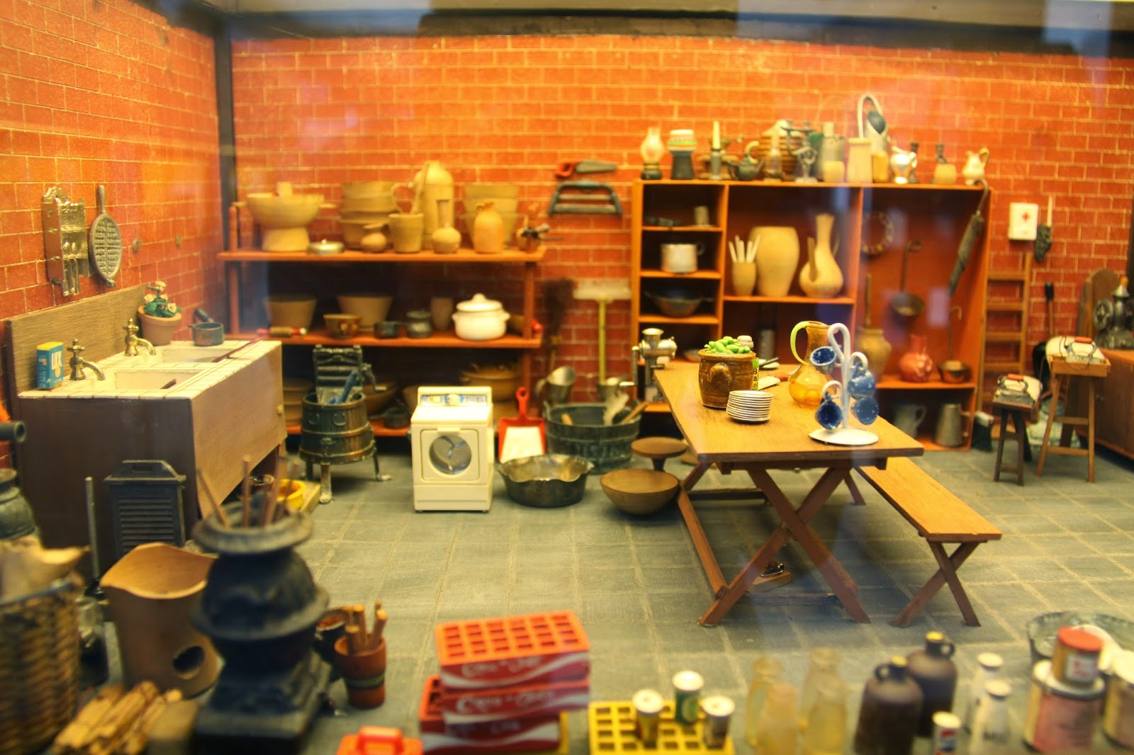Kitchen: Miniature Museum