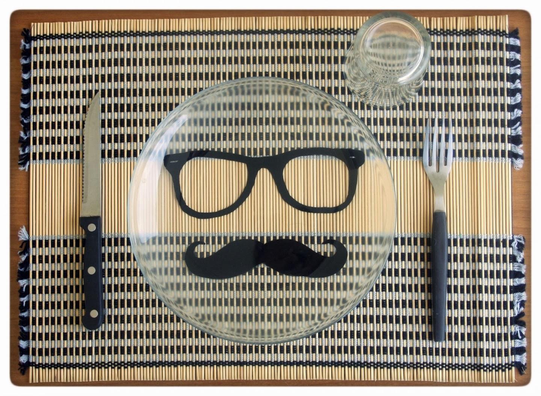 http://www.alittlemarket.it/cucina-e-servizi-da-tavola/moustache_and_nerd_glasses_-1738857.html