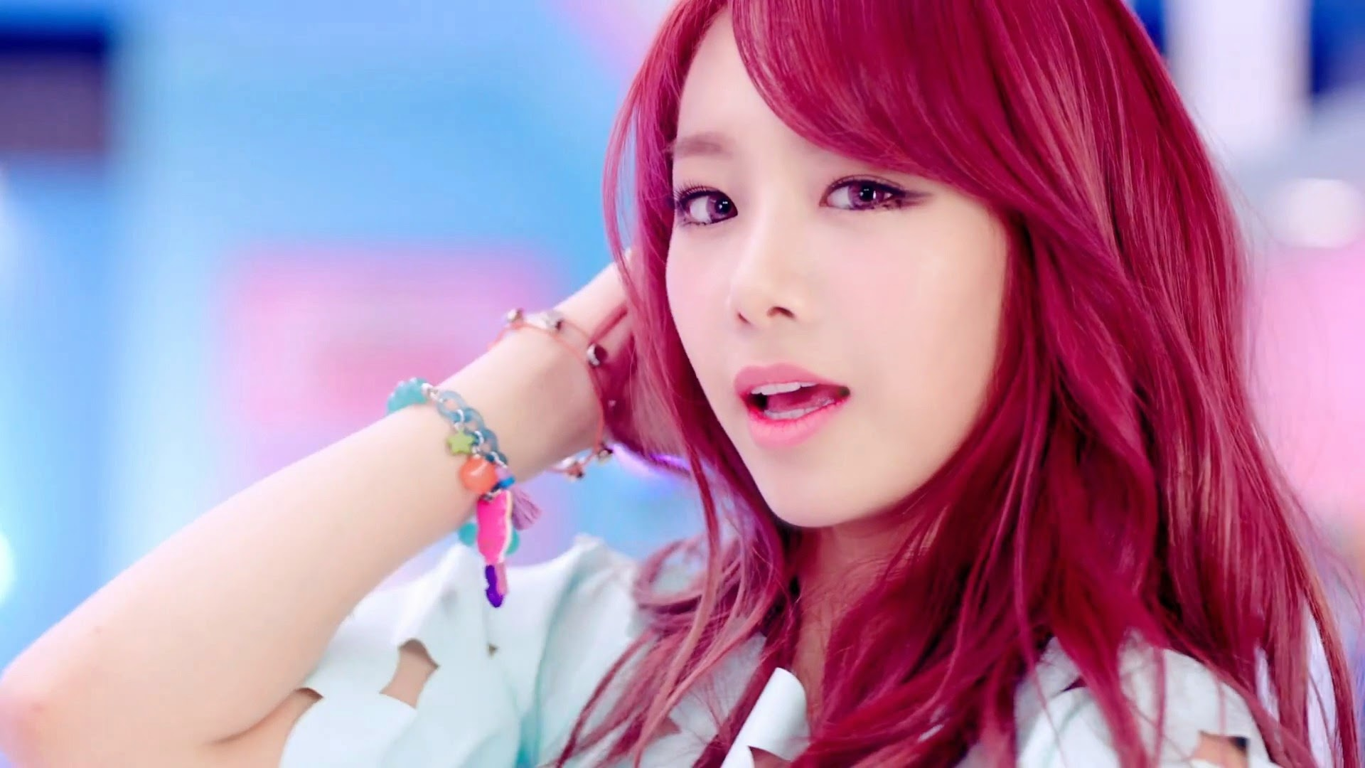 Bestie's Uji in Excuse Me MV