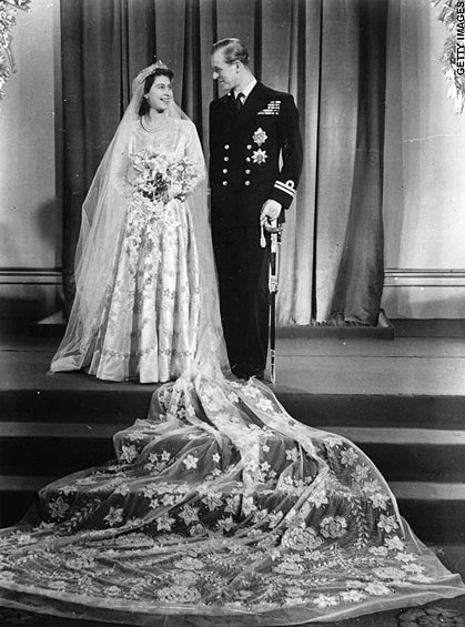 Royal Wedding: Princess Elizabeth Alexandra Mary married with Philip Mountbatten, Duke of Edinburgh, on 20 November 1947 at Westminster Abbey