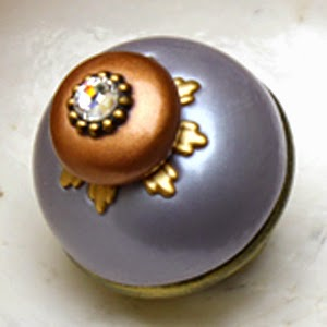 Nu Lily Knob 1.5 in. diameter in lilac with crystal