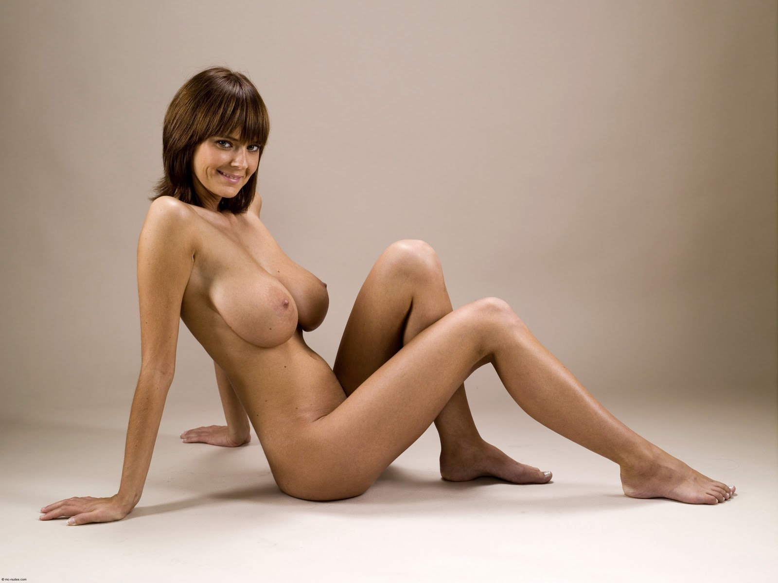 3d pics in nude bysty woman adult picture