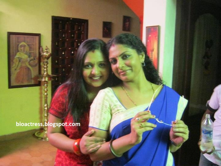 malayalam  Kumkumapoovu Serial stars  Asha sarath,shelly,aswathy hot sexy photo