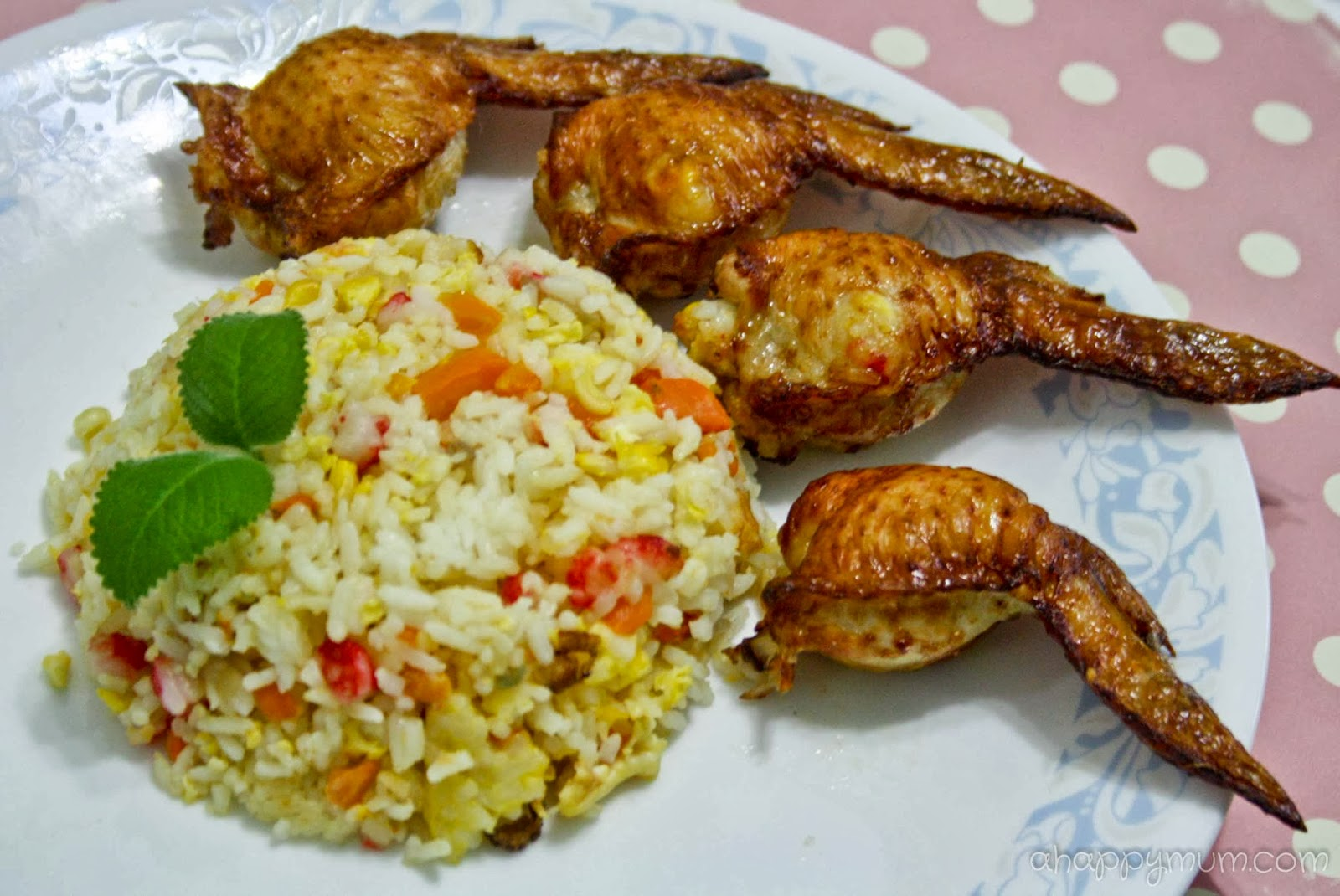 hainanese chicken rice is chicken rice set hainanese chicken rice is a ...