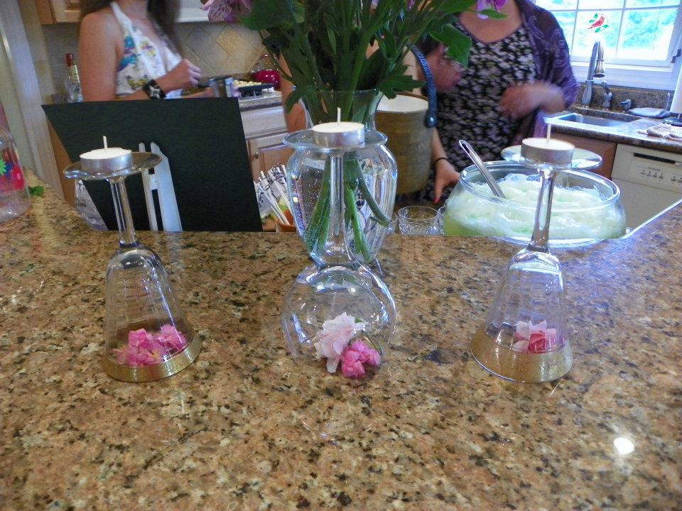 98f8520a857 I love that we decided to do this. The maid of honor found these cool wine  glasses
