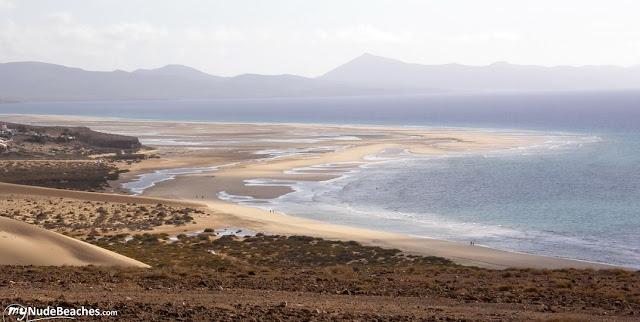 Playa nudista Sotavento (Jandia, Fuerteventura, Canarias)