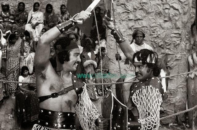 'Thalaivar' Rajinikanth & Kamalhaasan in 'Alavudinum Arputha Vilakkum' Movie